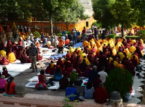 monks, nuns and laypeople at stupa