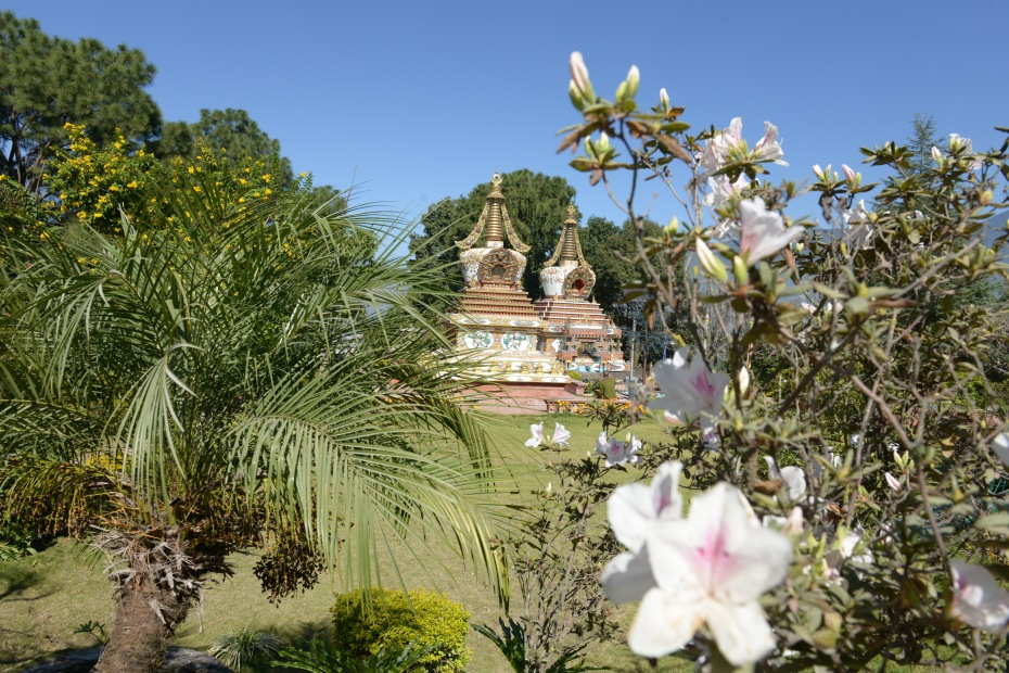 stupas-in-the-garden