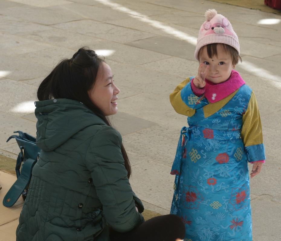 tibetan-child-mom